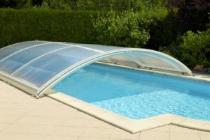 Prix piscine semi enterr e une alternative tendance for Prix dome piscine