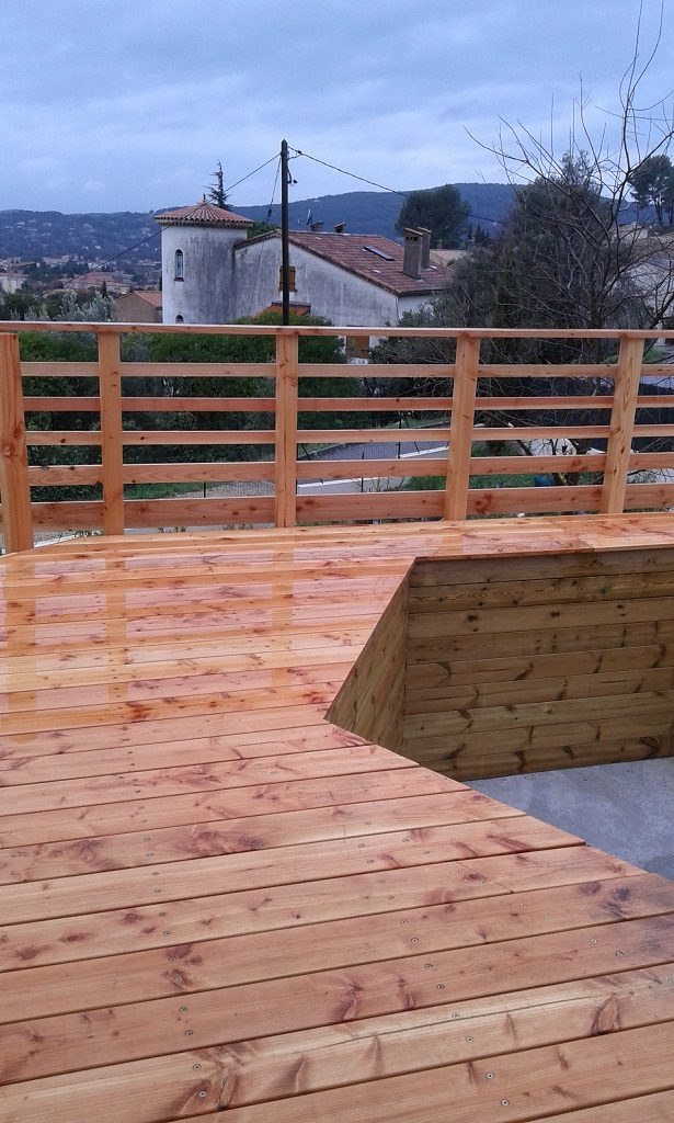 Pose piscine sur terrasse en bois photos par tapes for Rail liner piscine bois