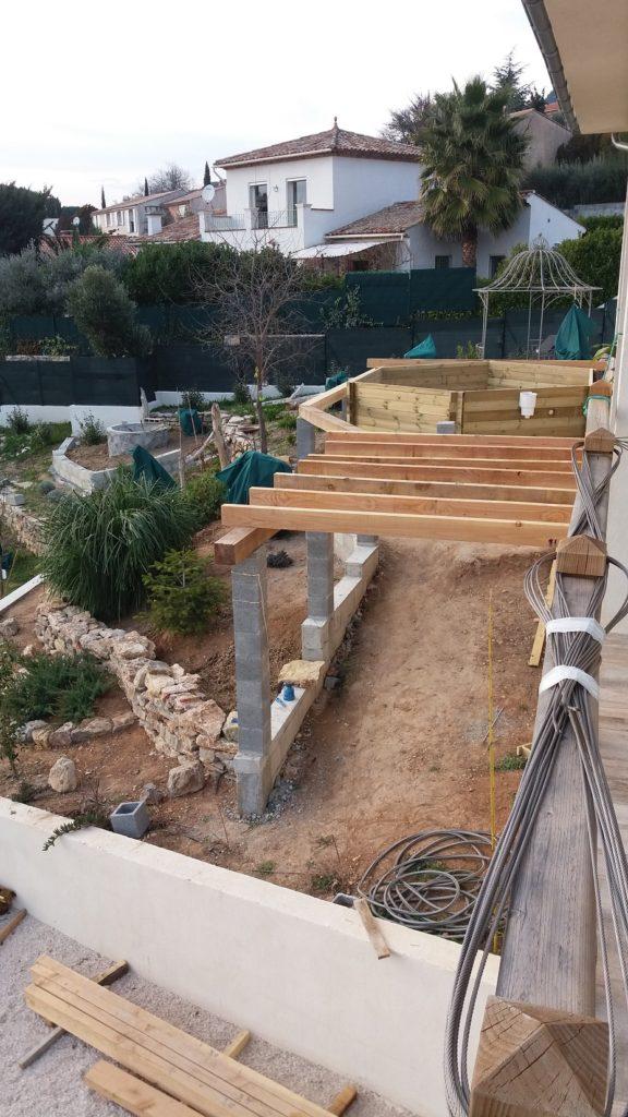 Pose piscine sur terrasse en bois photos par tapes - Piscine cachee sous terrasse ...