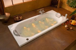 Prix d 39 installation d 39 une baignoire - Baignoire balneo chromotherapie aromatherapie ...