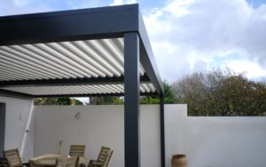 prix pergola bioclimatique quelles d penses pr voir. Black Bedroom Furniture Sets. Home Design Ideas