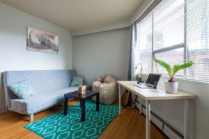 am nager un studio le budget pr voir. Black Bedroom Furniture Sets. Home Design Ideas