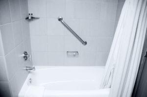 prix d 39 am nagements pour handicap et pmr dans la salle de bain. Black Bedroom Furniture Sets. Home Design Ideas