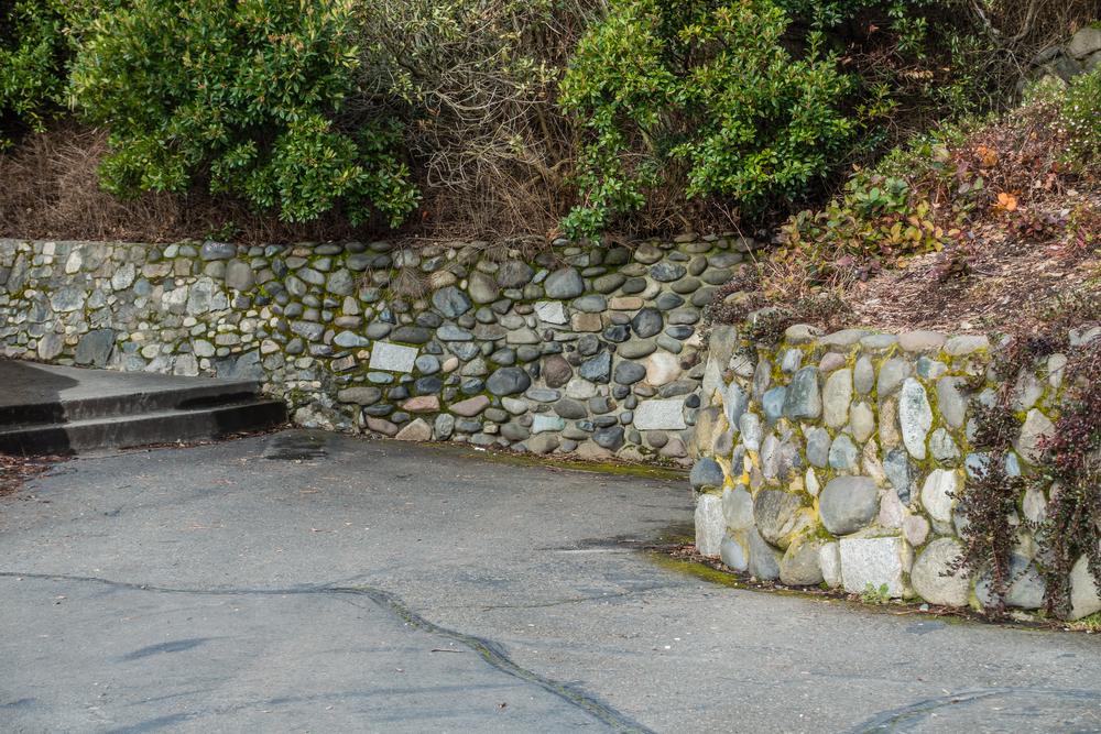 Mur de soutènement en pierre, mur en pierre extérieur