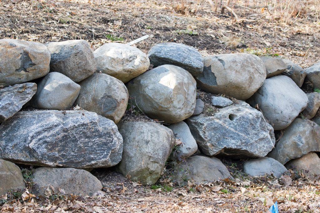 Mur en pierre sèche pour l'extérieur