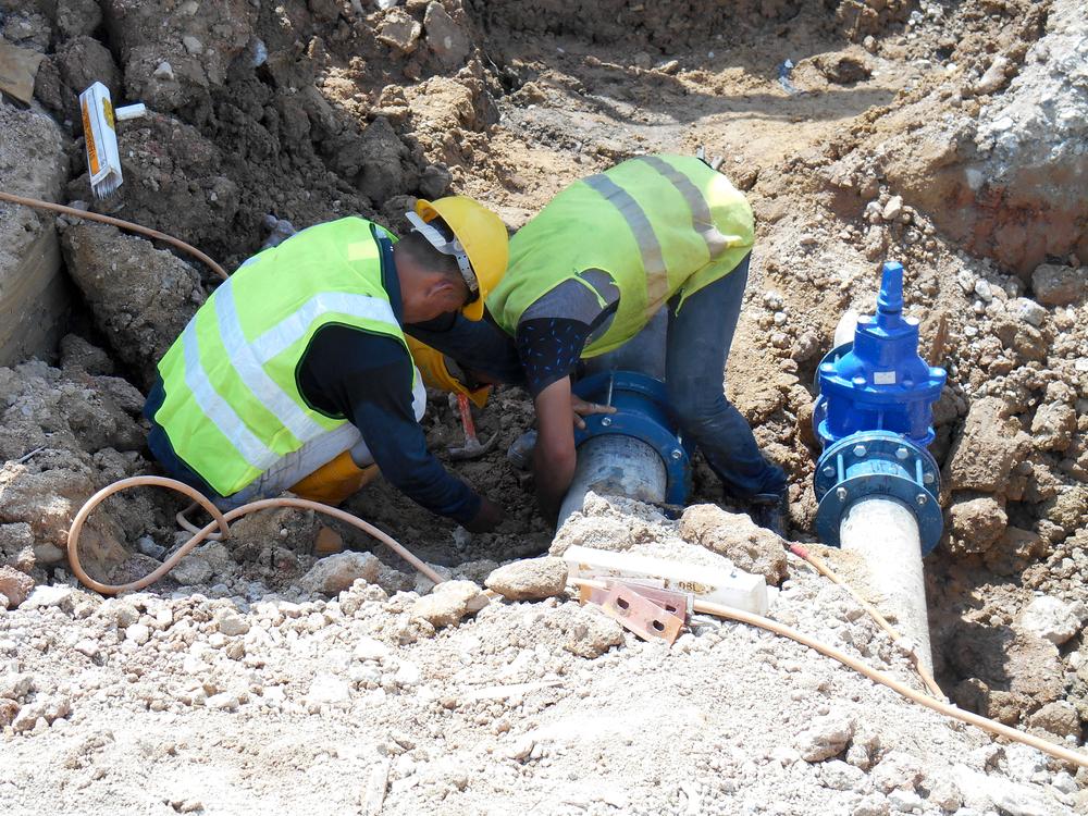 Travaux creusement racccordement eau