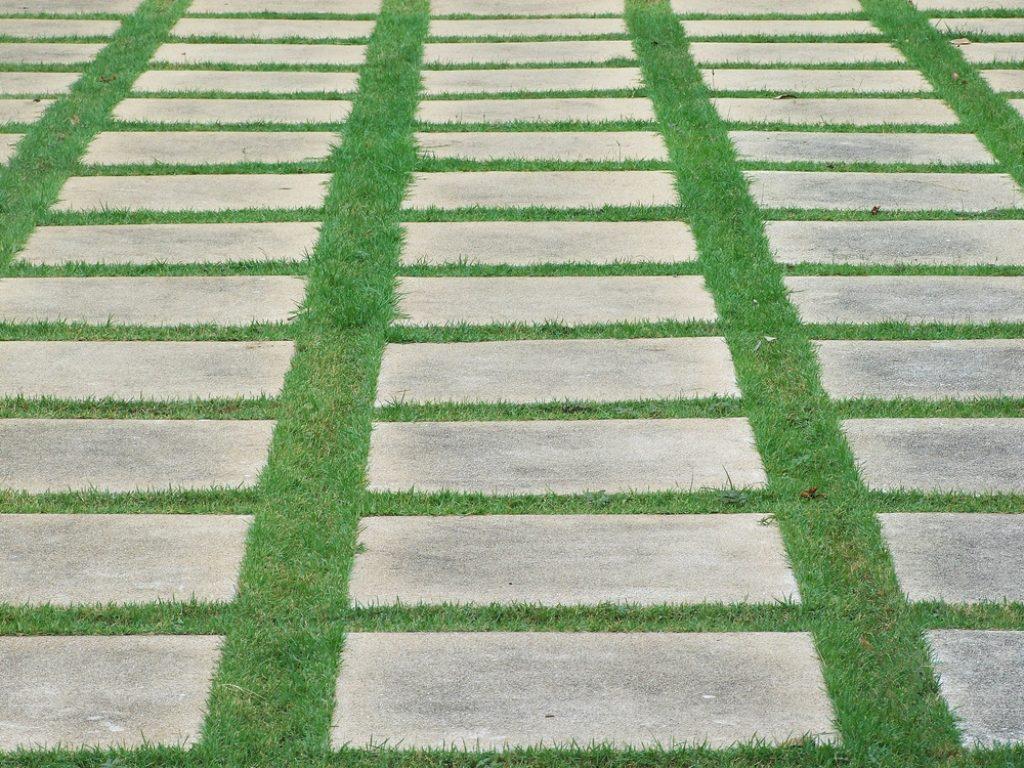 Comment Placer Des Dalles De Jardin allée carrossable (dallage et carrelage) : prix, photos et