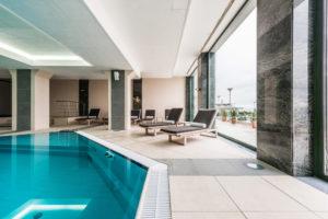 construction-piscine-intérieur