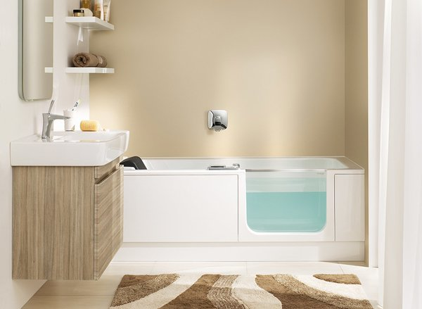 baignoire porte eau bleue