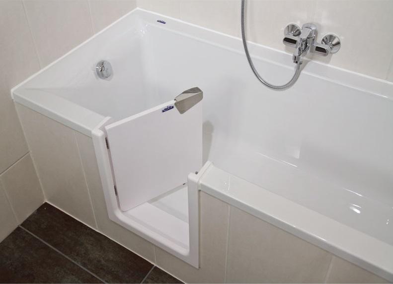 baignoire porte ouverte handicapé