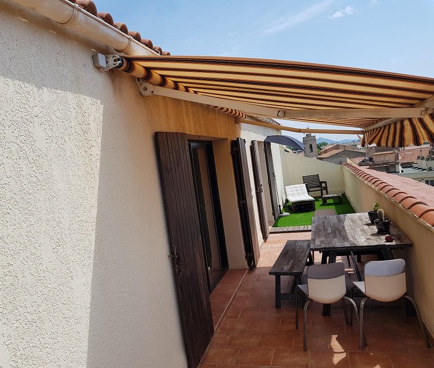 terrasse trop zienne conseils de pros prix et exemples de r alisations. Black Bedroom Furniture Sets. Home Design Ideas