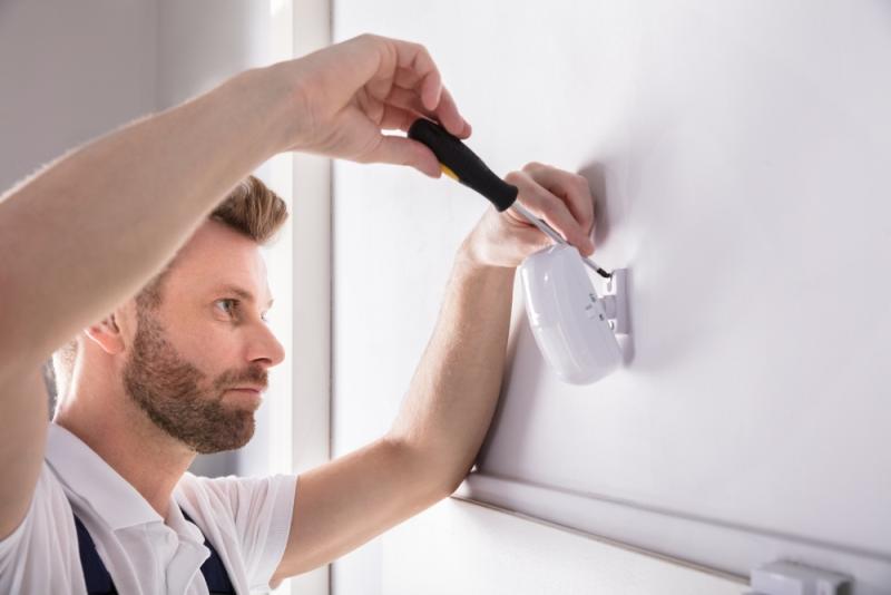 Installation d'une alarme par un électricien