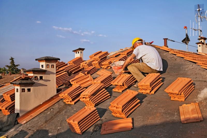 Refaire une toiture de 100 m2 prix et conseils d experts couvreurs for Prix de tuiles pour toiture