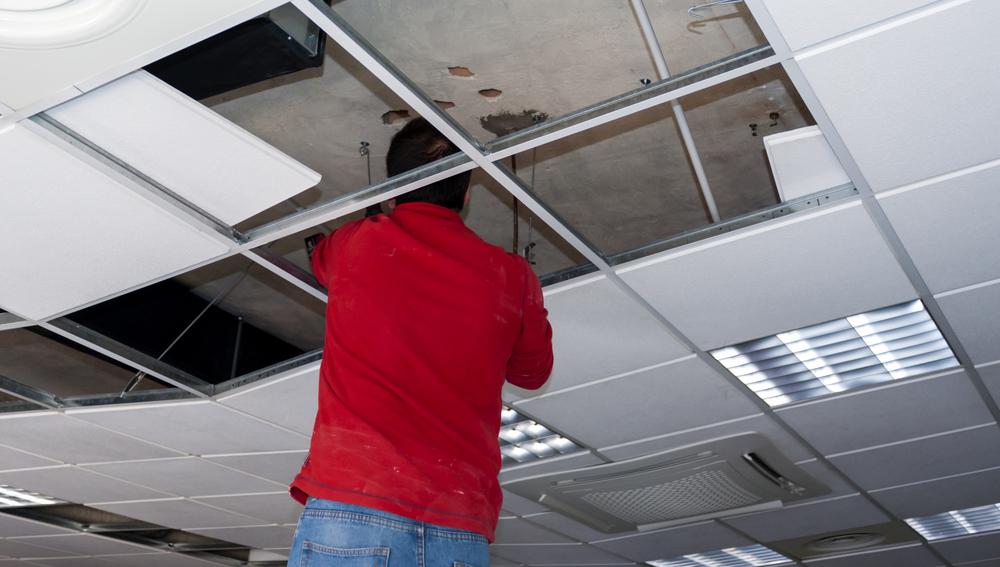 Travaux de rénovation plafond suspendu