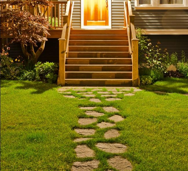 Aménager une allée d\'entrée de maison : idées, prix et ...