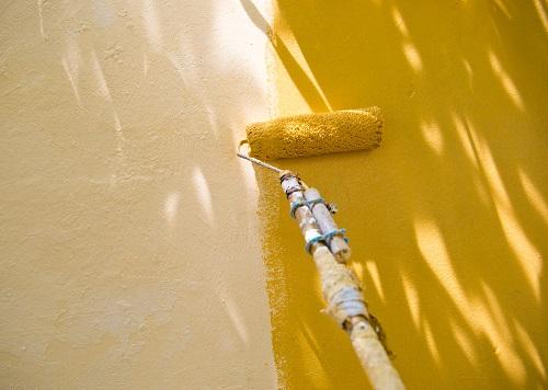 peindre un mur ext rieur proc d prix et conseils de. Black Bedroom Furniture Sets. Home Design Ideas