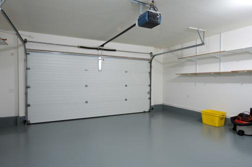 Automatisme de porte de garage sectionnelle vu de l'interieur