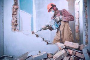 Demolition d'un mur