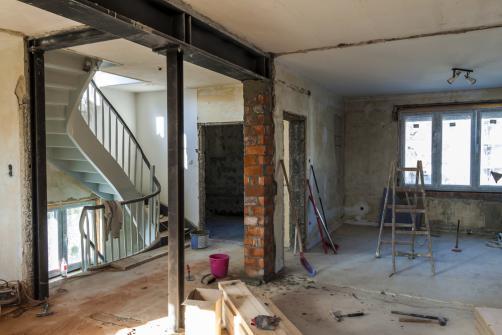 Demolition d'un mur interieur en vue d'une renovation