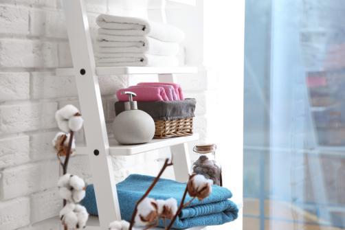 Etagere salle de bain echelle