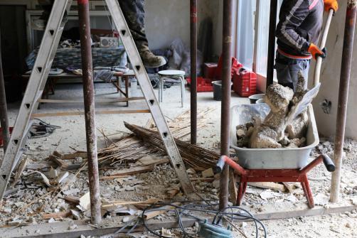 Evacuation gravats apres demolition mur