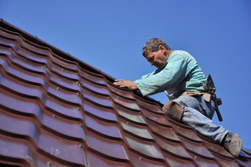 Faitage de toiture metallique