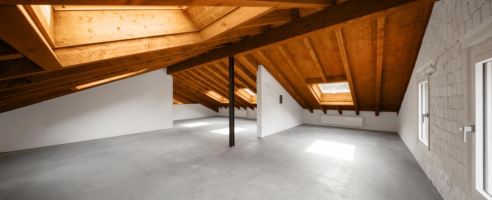Loft avec un sol en resine