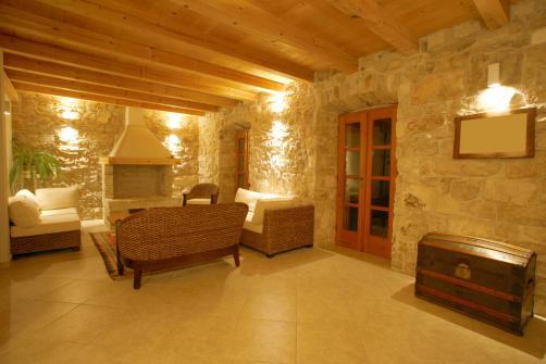 Maison en pierre renovee