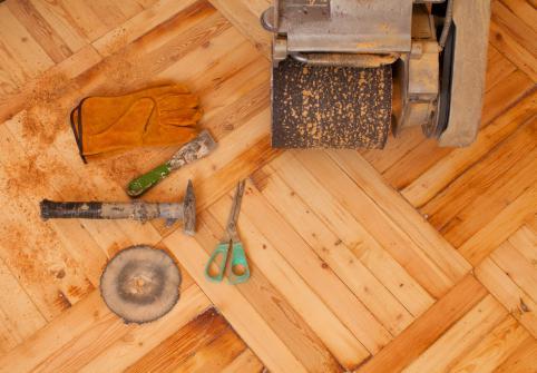 r nover un parquet comment faire et quel prix conseils de pros. Black Bedroom Furniture Sets. Home Design Ideas
