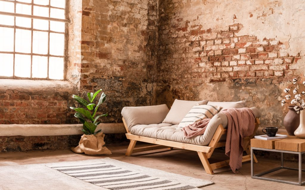 salon-style-industriel-murs-briques