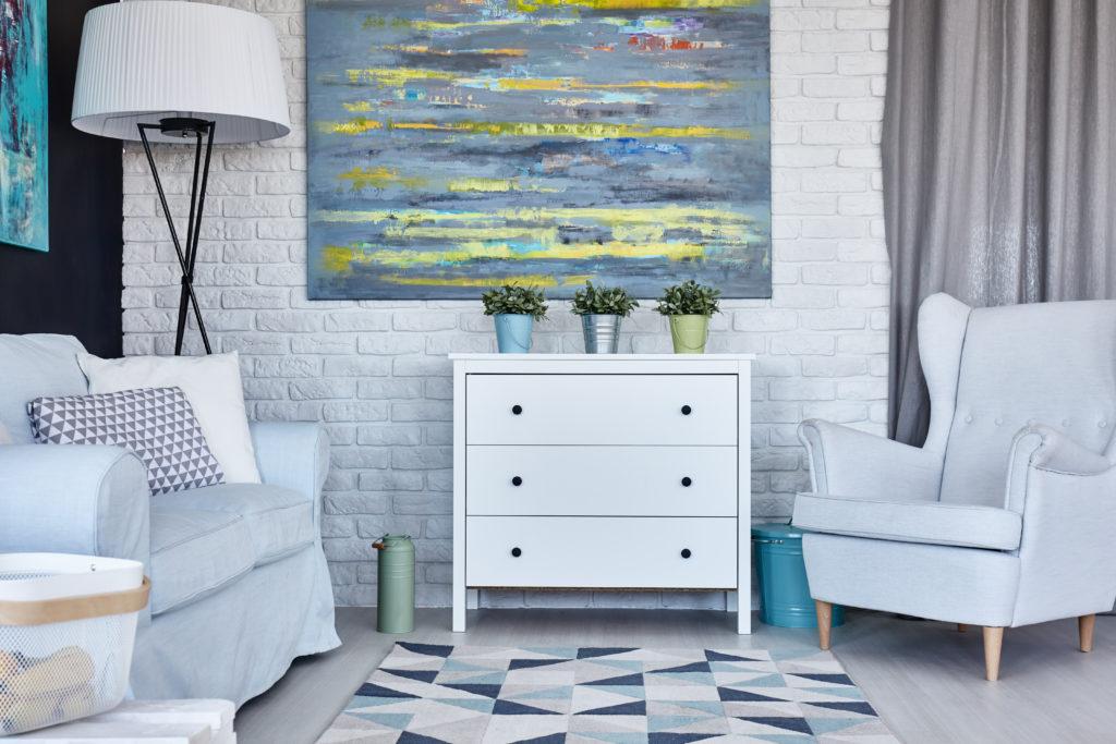 salon-briques-blanches-mobilier-blanc