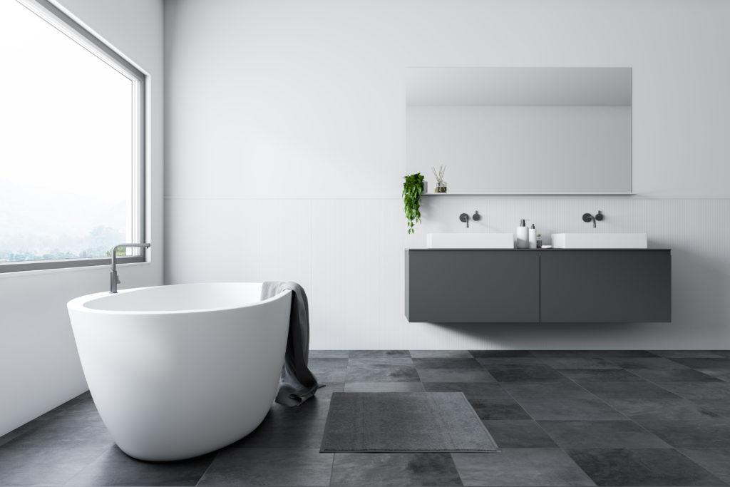 salle-de-bains-minimaliste-noire-blanche