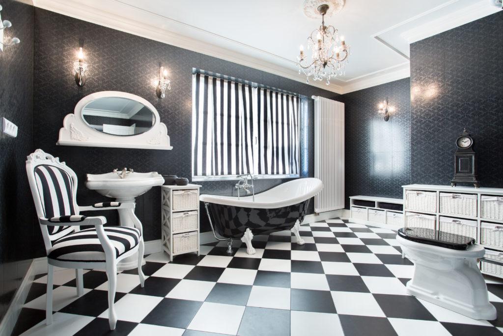 salle-de-bains-baroque-chic-noir-blanc