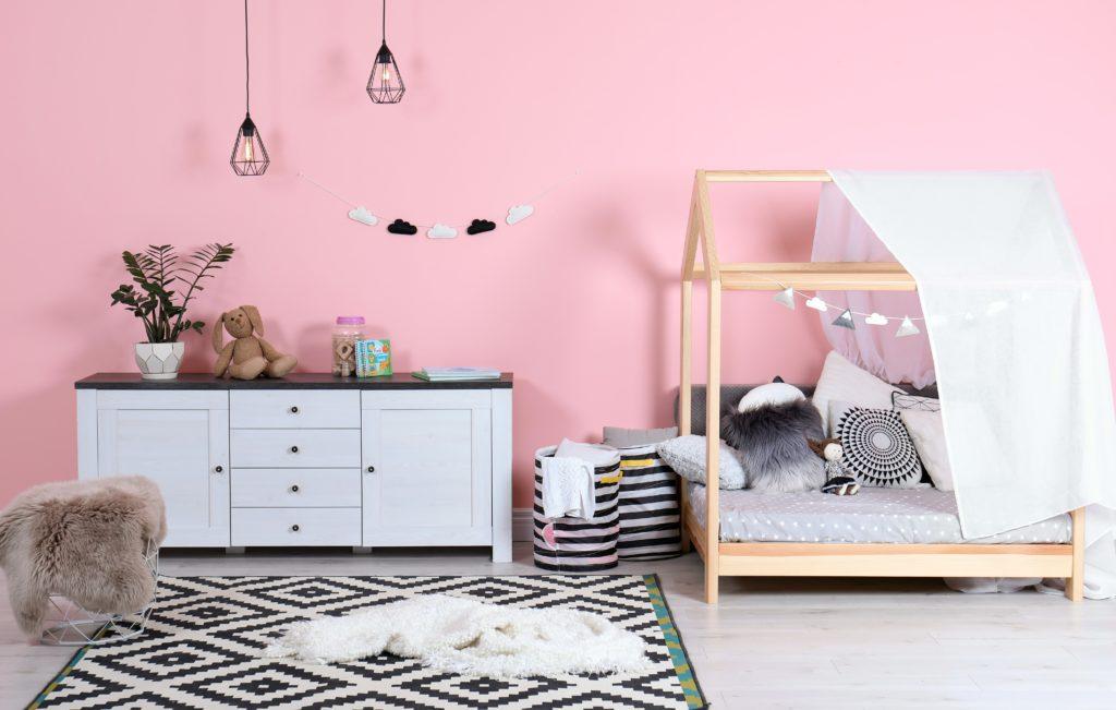chambre-rose-enfant-discrète