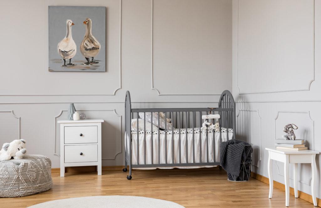 chambre-bébé-blanche-grise