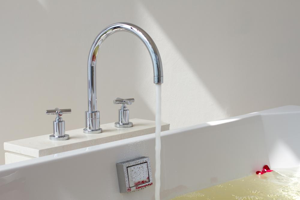 hauteur-robinet-baignoire