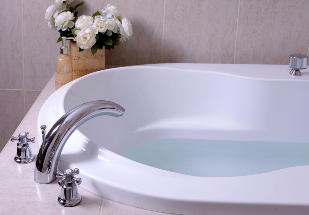 robinetterie-arrondie-baignoire