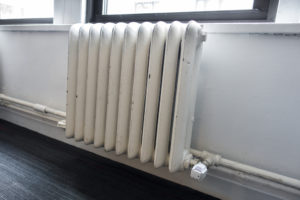 radiateur-en-fonte-blanc