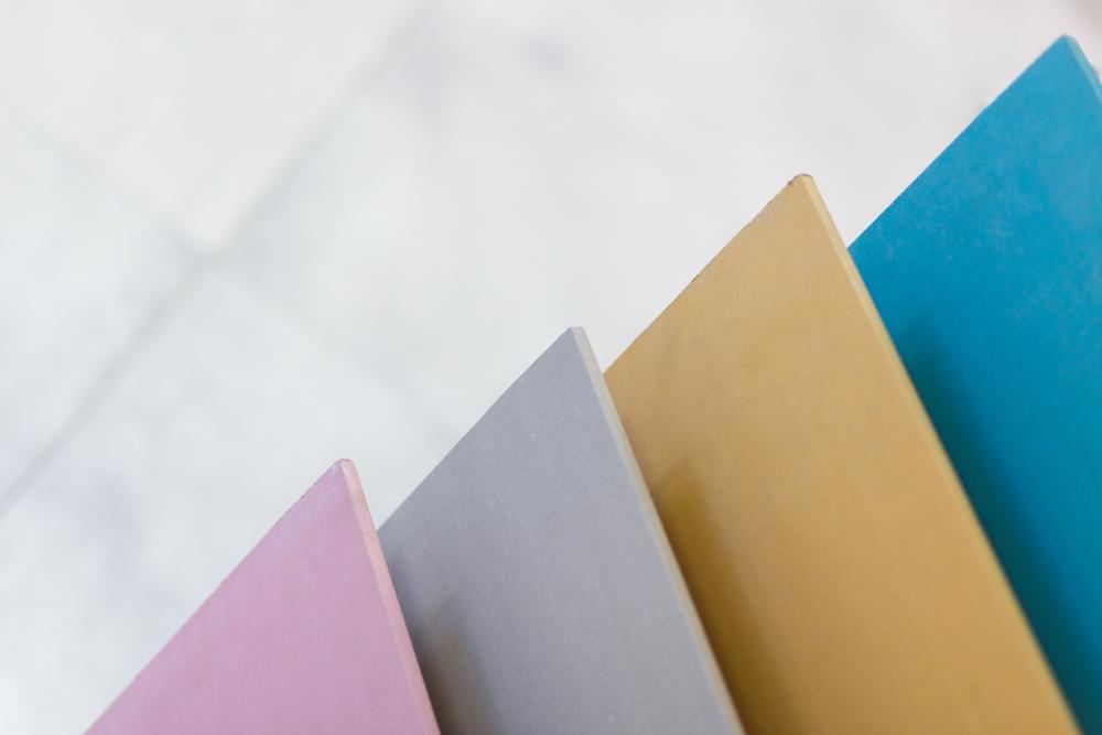 plaques-de-placo-colorées