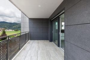 Appartement avec balcon carrelage
