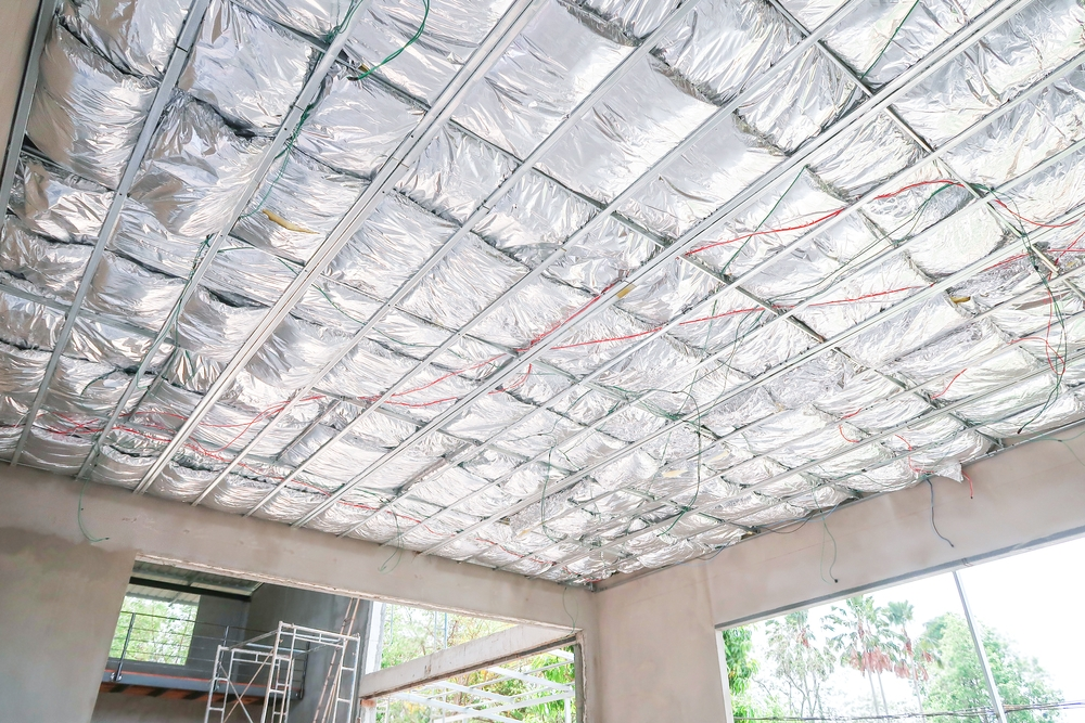 Isolation plafond avec isolant multicouche